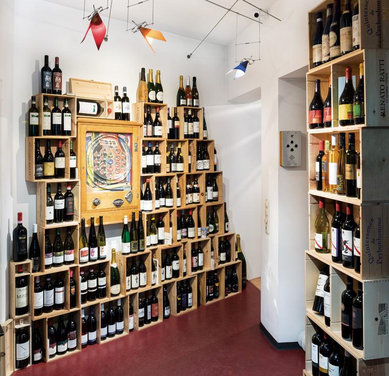 Weinregale und Weinsortiment – Weinboutique Ehrliche Münchner